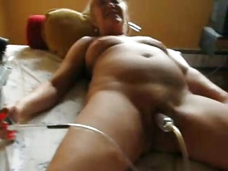Lesbian licking milf