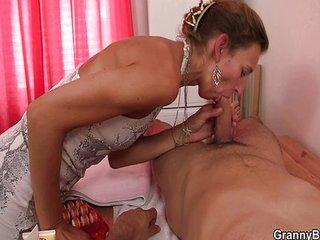 samleie african massage happy ending