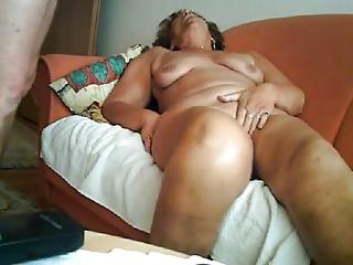 64yo mature slut teniendo sexo con un extraño en la habitación del hotel 8